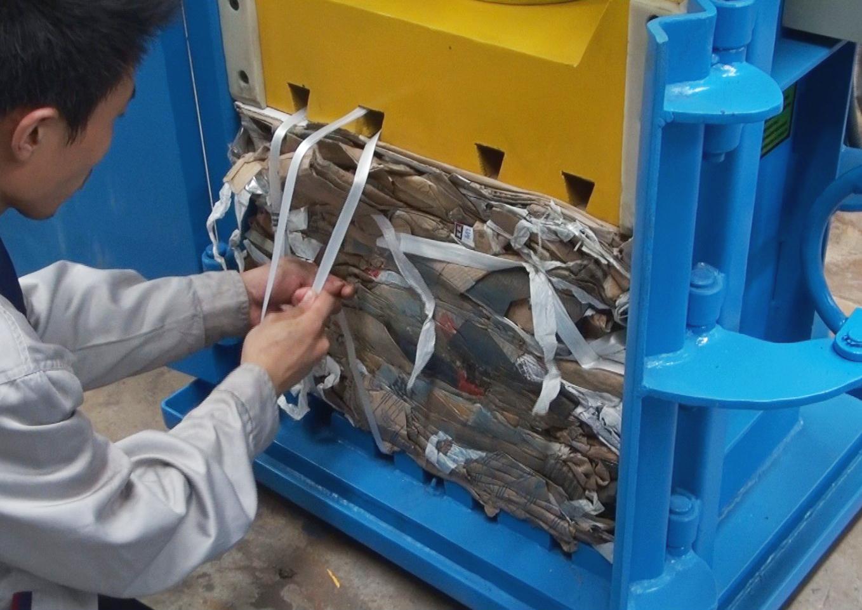 Mini baler marine baler multi purpose baling machine - Plastics blanes ...