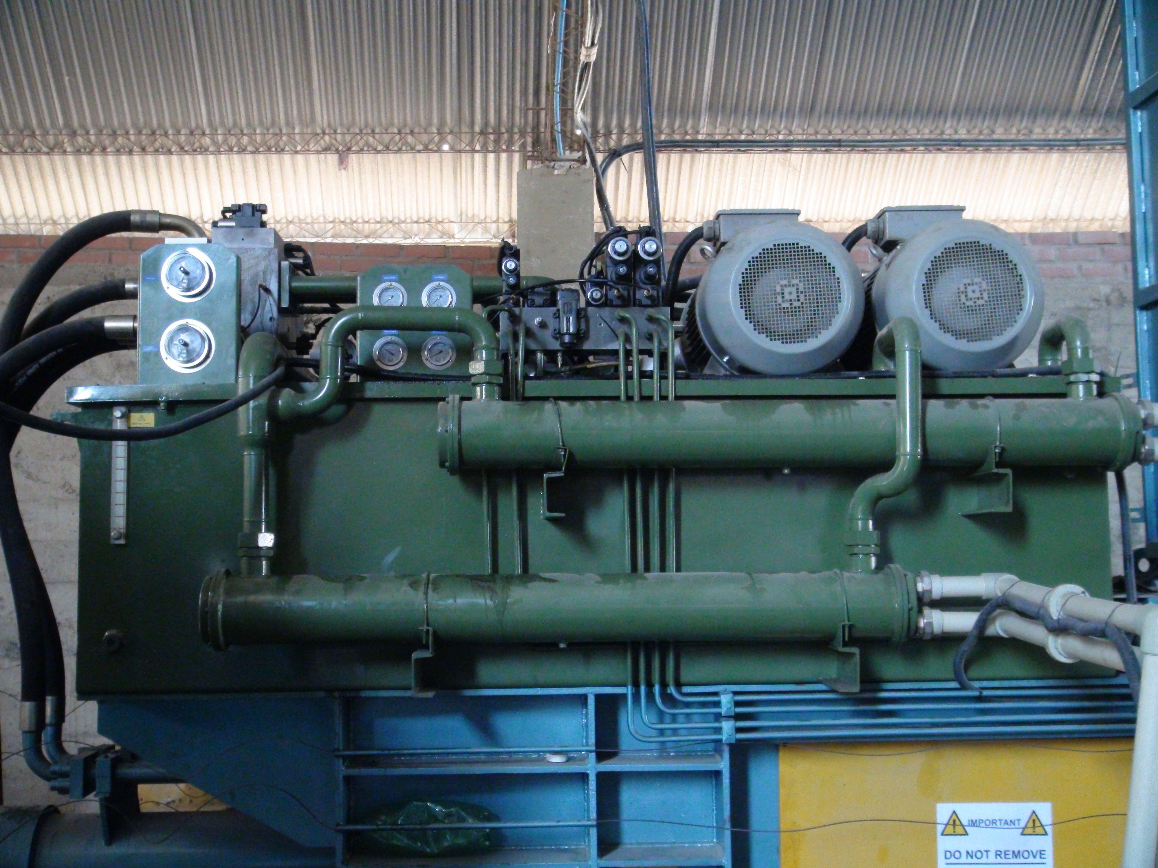 Baler Hydraulic System Maintenance