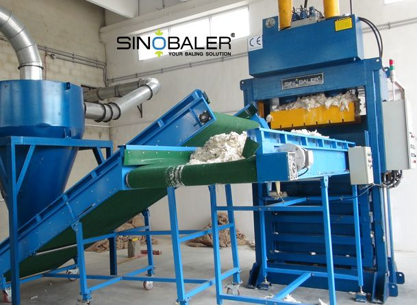Vertical Baler with Conveyor Feeding
